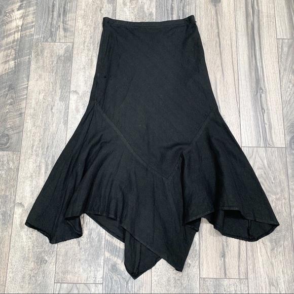 Larry Levine Dresses & Skirts - Larry Levine Black Asymmetrical Midi Skirt. Size 8